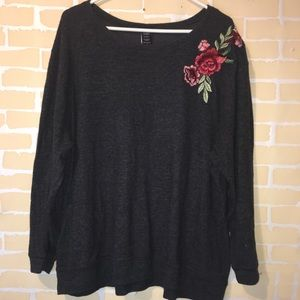 Torrid size 3 Basic Gray sweater with flower